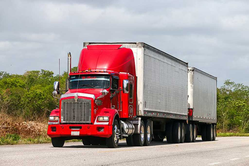 Sometimes tractor trailers are driven like they're Maserati's – Stanley Law Offices Blog